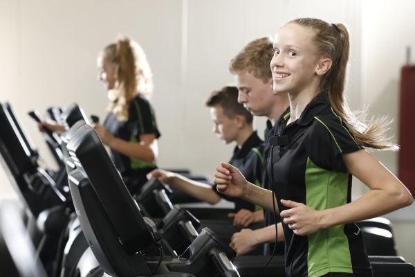 Img 084 daisy treadmill running shot